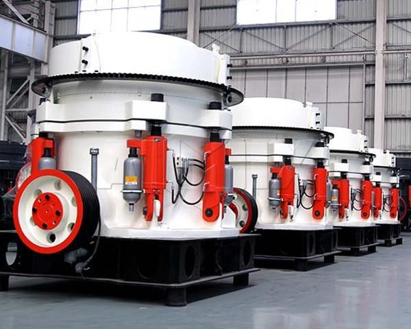 Trituradora de cono con varios cilindros hidráulicos